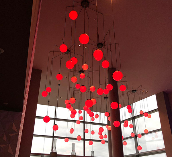 illumination-physics-red-spheres