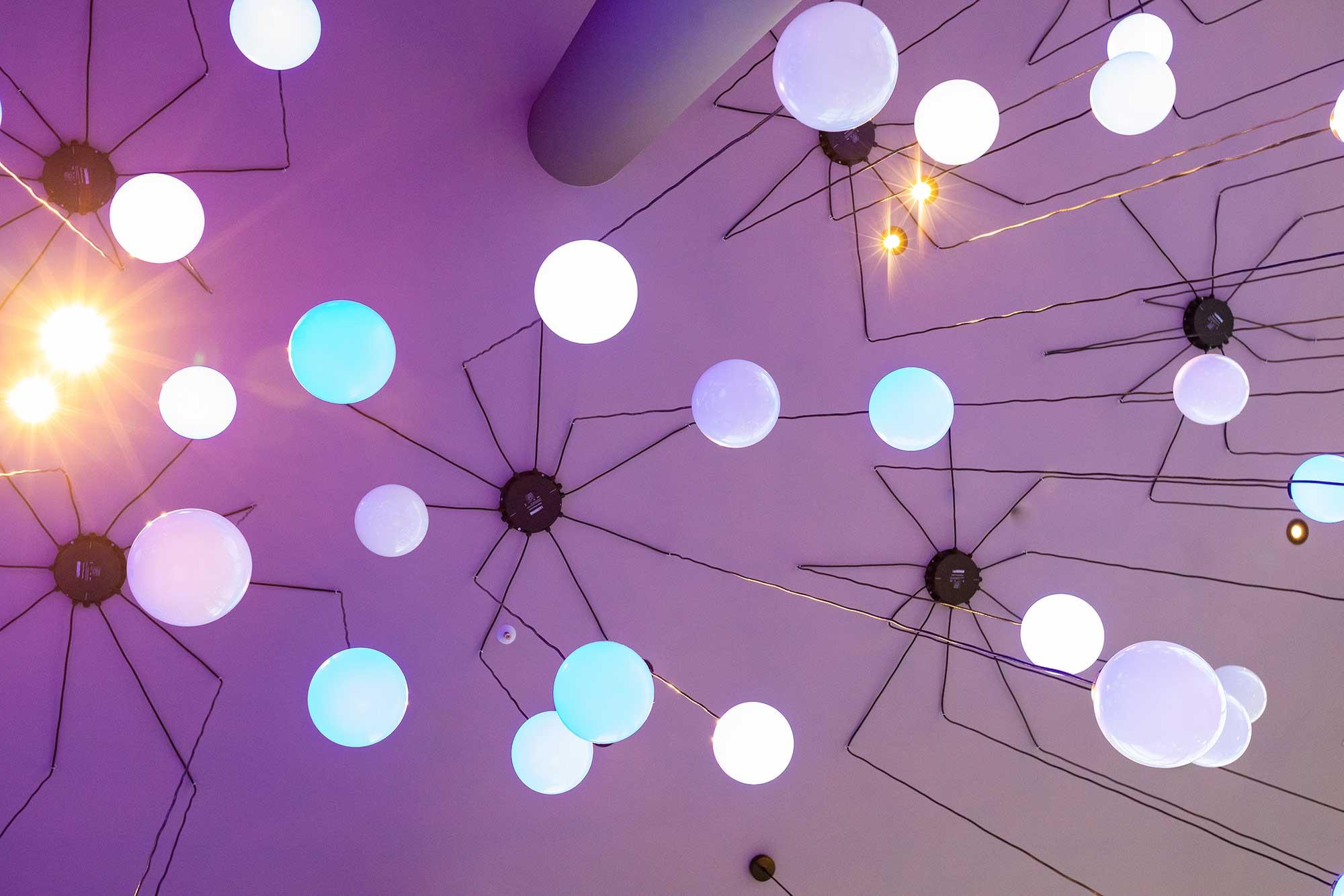 illumination-physics-spheres-roof
